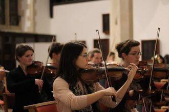 Miranda Kunk Playing Violin