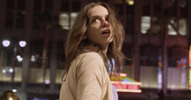 Starry Eyes Movie Image