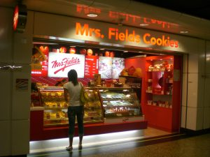 HK Wan Chai MTR Station Mrs Fields Cookies By MFOCBonds (Own work) [GFDL (//www.gnu.org/copyleft/fdl.html) or CC BY-SA 3.0 (//creativecommons.org/licenses/by-sa/3.0)], via Wikimedia Commons