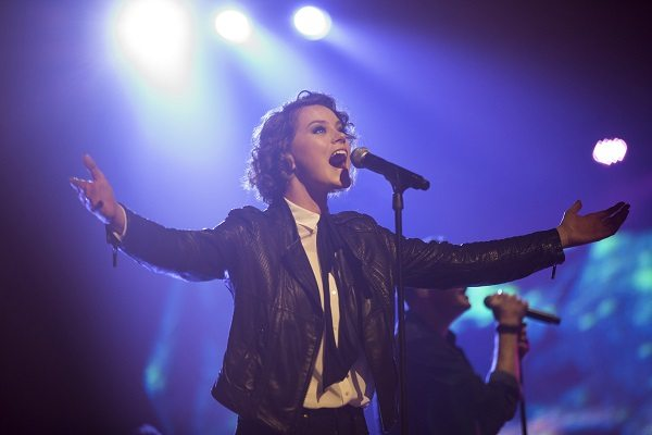 Hillsong S Taya Smith Reveals How Oceans Nearly Didn T